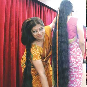 Indian-hair-woman-is-very-long