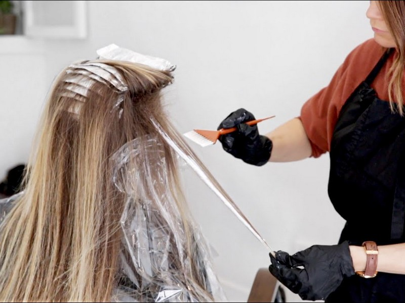 Danielle Benita - Famous Hairstylists On YouTube To Follow For Business