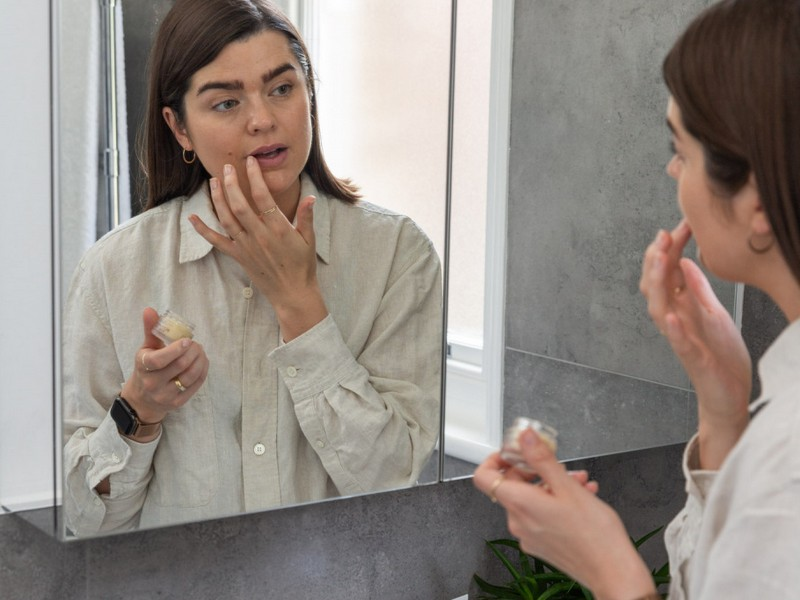 The Anna Edit - Beauty Bloggers You Should Be Following For Skin Care Tips.