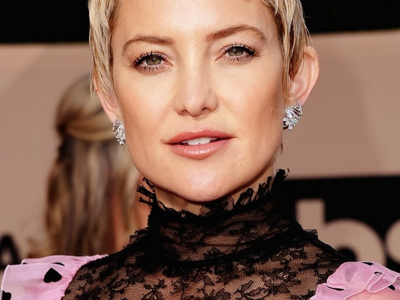 The Neat Pixie - Classic Chic Hairstyles No 1.