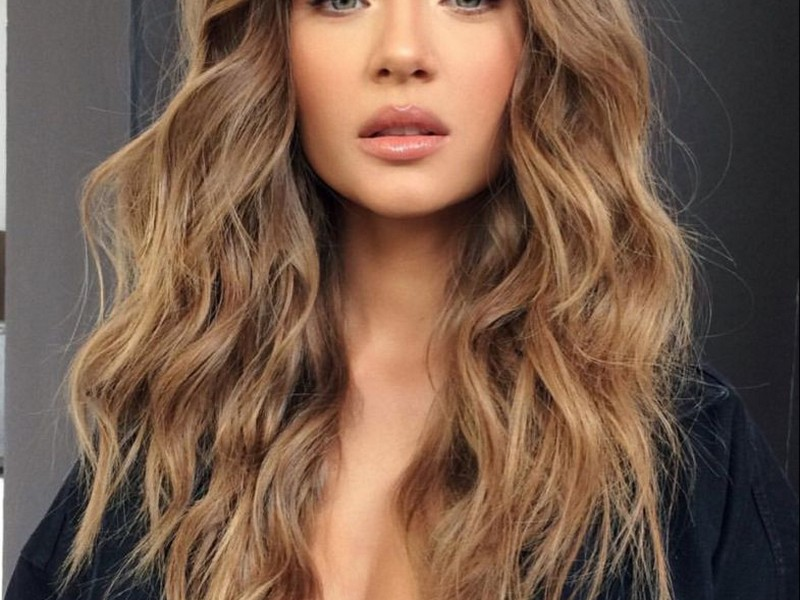 The Tousled Waves - Classic Chic Hairstyles No 4.
