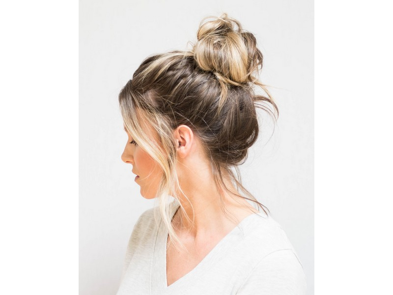 Messy Bun - Effortless Hairstyles For Lazy Girls