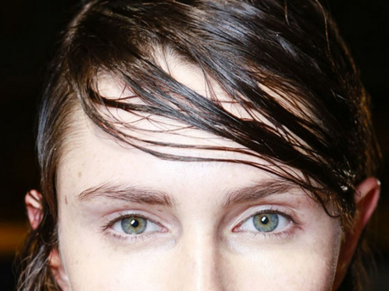 How To Prevent and Fix Greasy Bangs: Say Goodbye To That Flat Look (2021 Guide)
