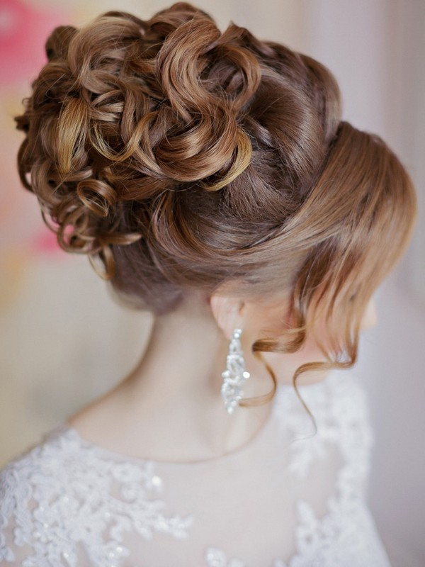 The Pinned Curls - Lovely Hairstyles For Prom
