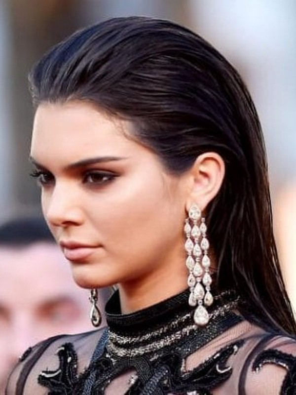 The Sleek Back - Chic Hairstyles For Prom