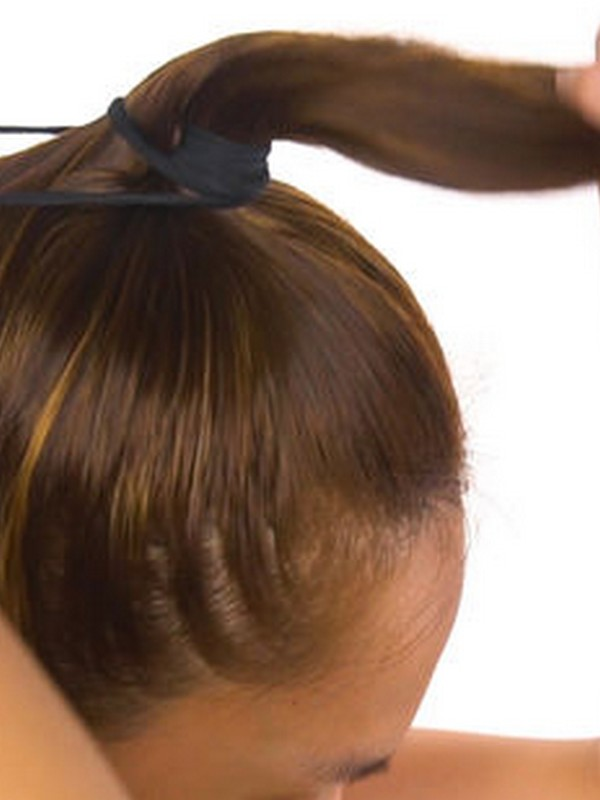 How To Recreate The Perfect Messy Bun