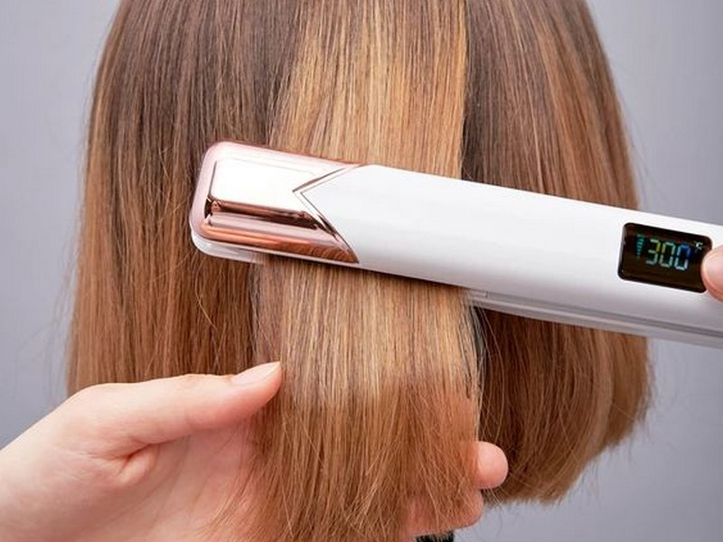 Tip #3 To Take Care Of Bleached Hair: Heat Is The Number 1 Enemy