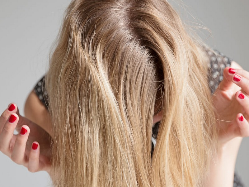 Tips #1 To Add Volume To Your Hair: Change Your Part