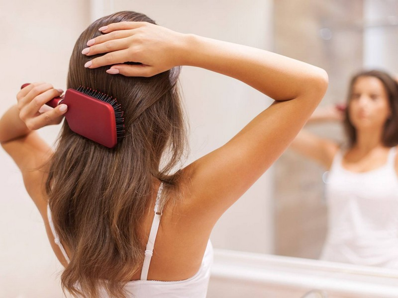 Tip No2 To Care For Long Hair: Brush Your Hair Well