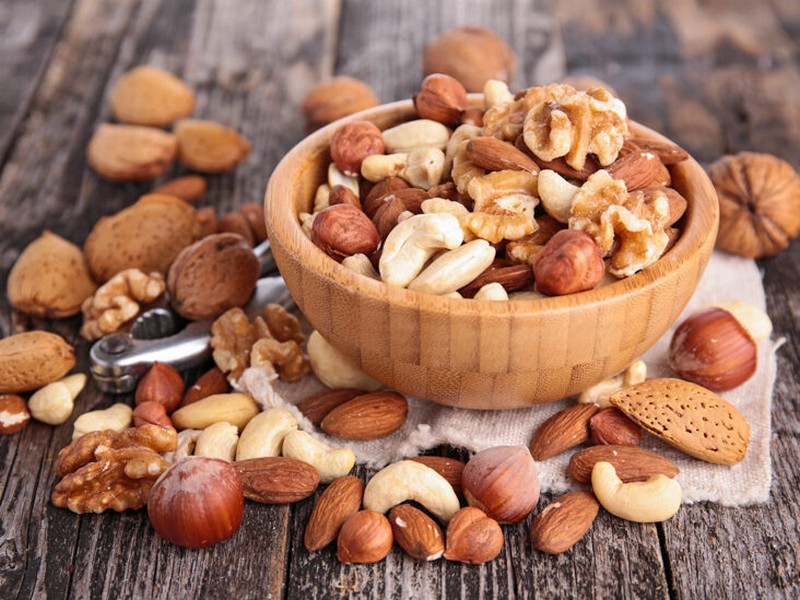 #5 Food To Eat For Hair Growth: Nuts